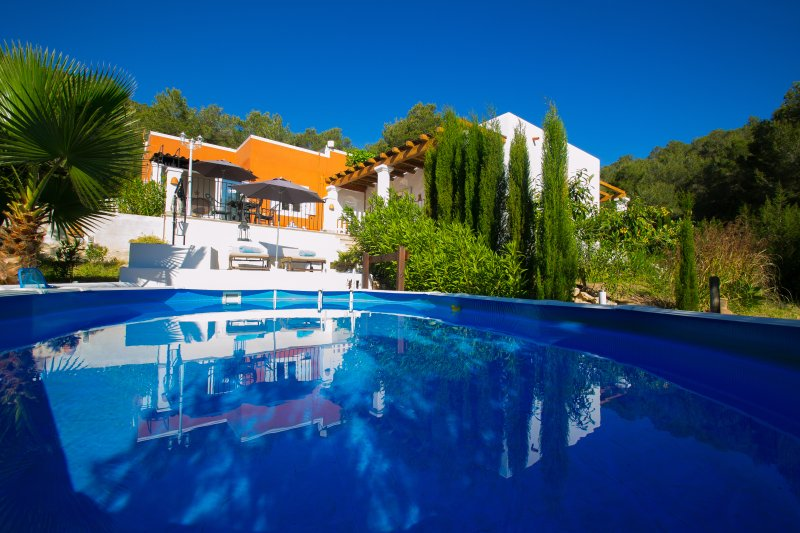 'BACK TO EDEN' a paradise lost, in Ibiza, holiday rental in Sant Antoni de Portmany