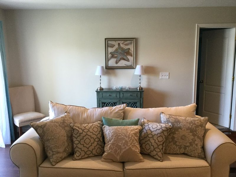 3 bedroom rehoboth condo close to everything with linens - 1 bedroom apartments everything included ...