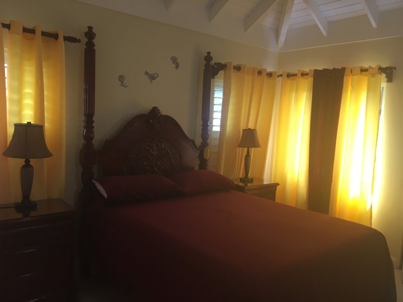 LSB Holiday Villa, location de vacances à Baie de Sainte-Anne