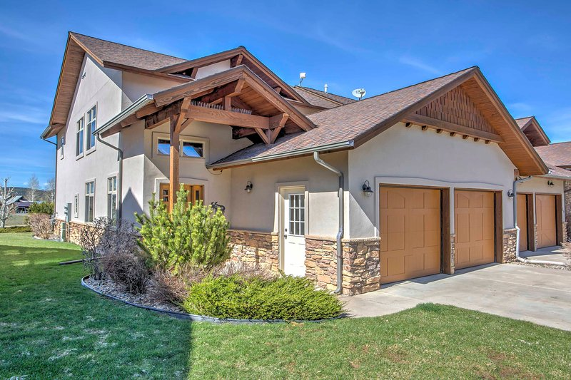 Explore the San Juan National Forest from this 3-bedroom, 3.5-bathroom vacation rental townhome in Pagosa Springs!