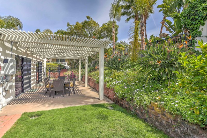 Find your ideal getaway at this beautiful 4-bed, 3-bath vacation rental home.