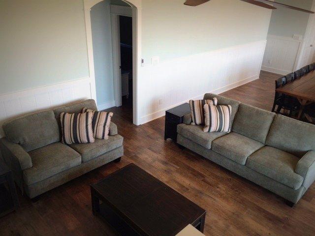 Couch,Furniture,Indoors,Room,Floor