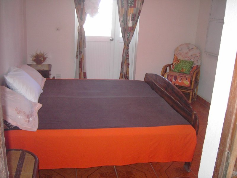 Centre ville Majunga petit appartement meublé, location de vacances à Madagascar