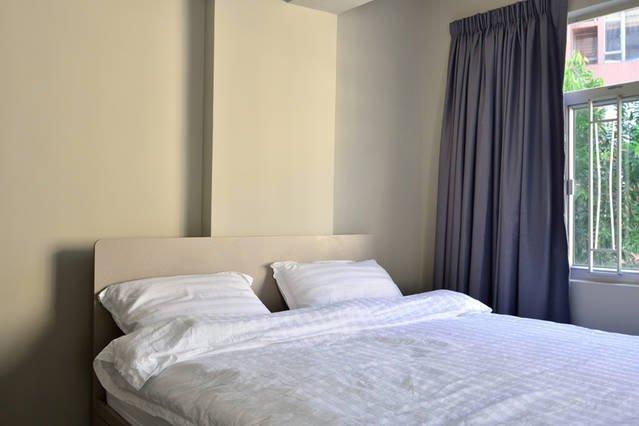 Soho Luxury Apt, All New Renos *1A, vacation rental in Shenzhen