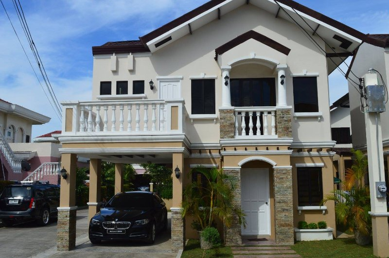 VACATION HOUSE BY THE SEA IN CEBU, holiday rental in Pinamungajan