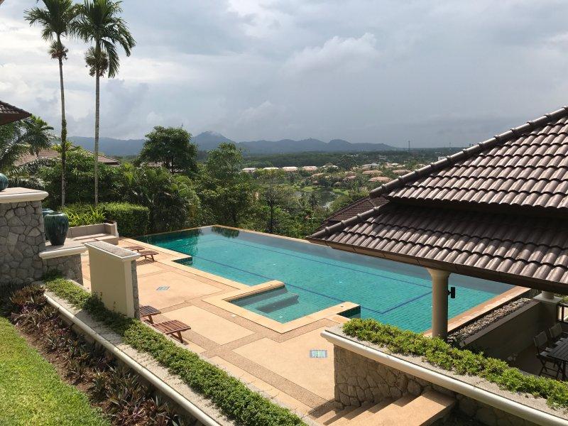 Splendida vista dalla piscina a sfioro 20m