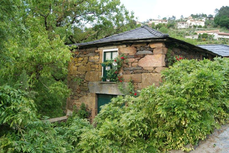 Casinha da Eira- refúgio numa aldeia típica do Marão, location de vacances à Varzea