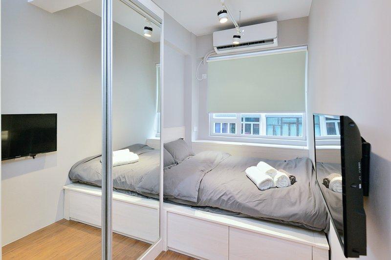 Wing Lok 80 Luxury Studio *2A, vacation rental in Shenzhen