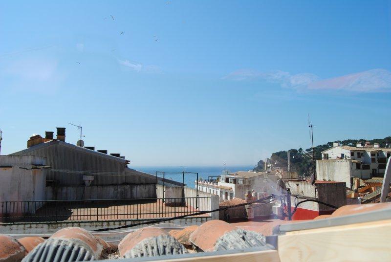 Beautiful apartment with terrace, aluguéis de temporada em Llafranc