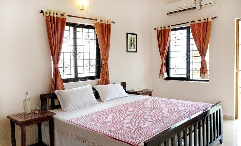camera da letto AC elegante con Balcone