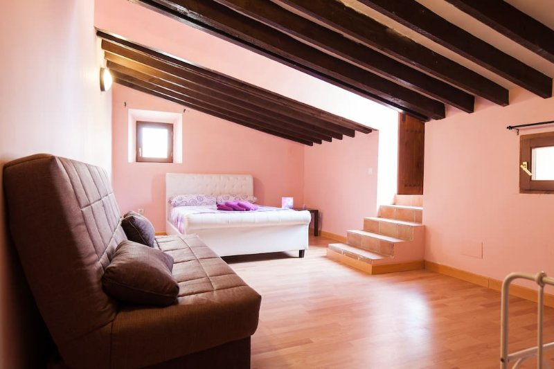 Boardilla sleeps 4 with private terrace