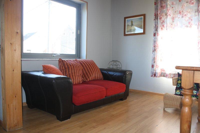 Appartement 2 personnes Vallée de la Meuse, holiday rental in Waulsort