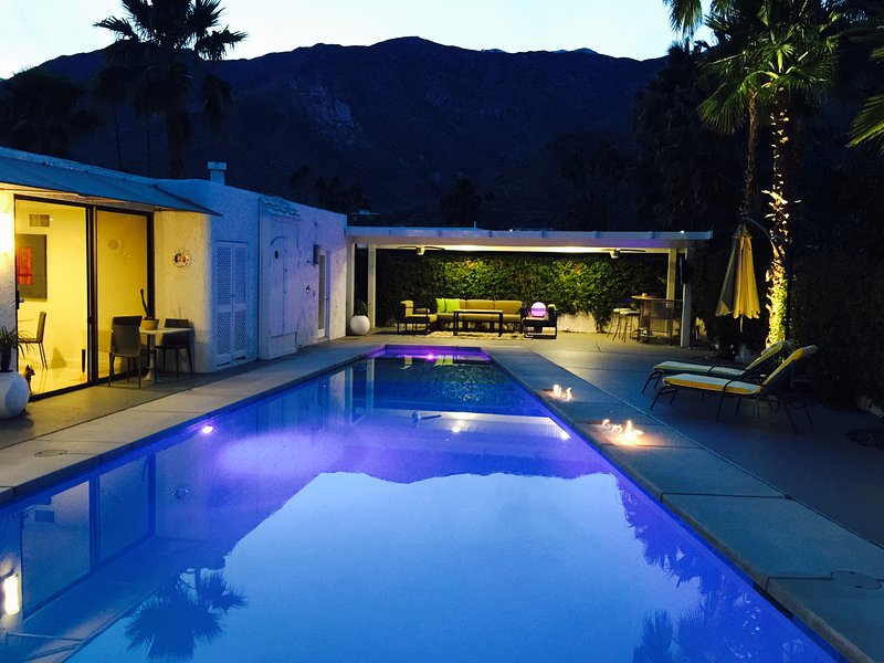 Gabor Estate, 2017 Modernism Tour, Luxury at its finest in S Palm Springs, 4 bed, holiday rental in Palm Springs