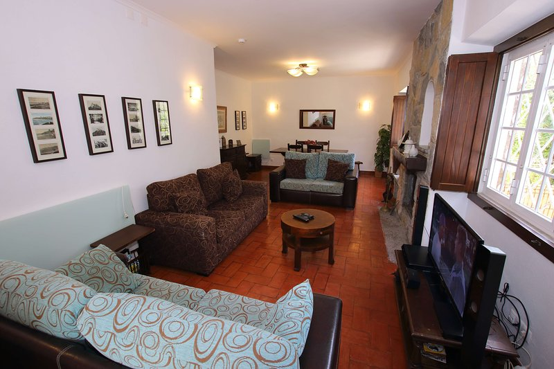 Spacious lounge with satellite TV, DVD and WiFi