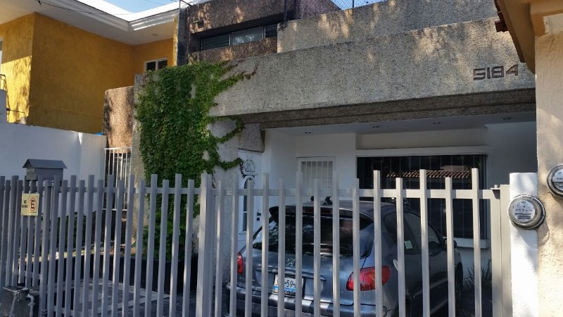 Casa de Tutty ideal para Familias, vacation rental in Guadalajara
