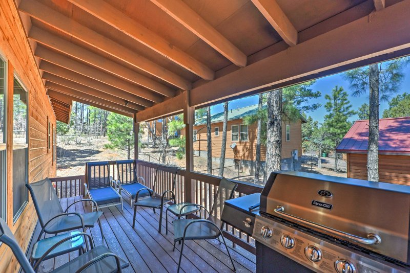 Admire the ponderosa pines from your deck with outdoor dining and gas grill!