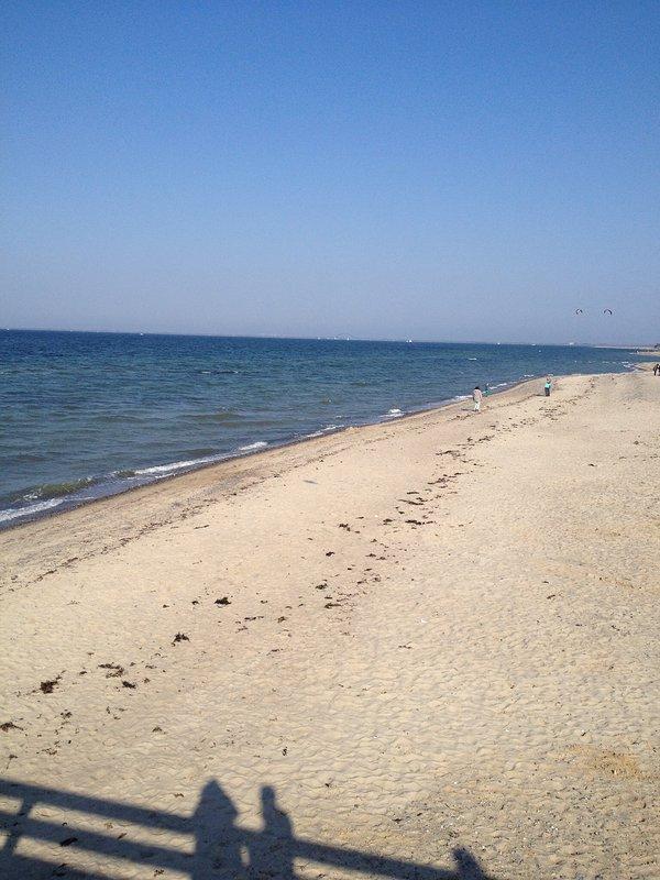 plage de sable blanc du port de la mer Baltique Saint