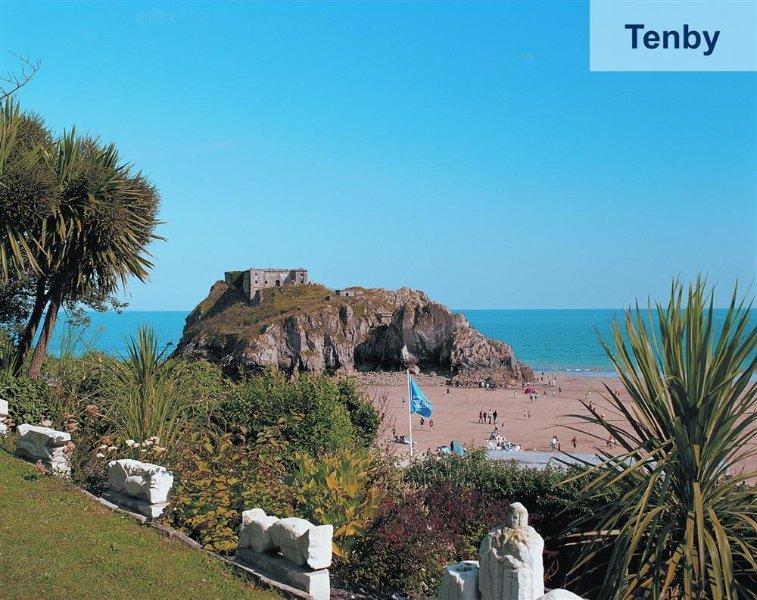 Tenby è a soli 3 miglia di distanza e un must visitare durante il vostro soggiorno