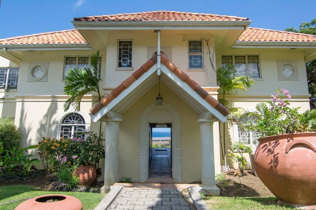 Casa La Mancha - close to Mount Irvine Bay Golf Course, holiday rental in Mount Irvine