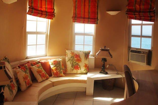 Writer's retreat - perfect hideaway spot!
