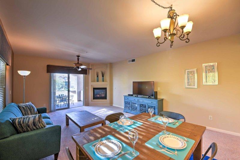 Una escapada memorable espera en este hermoso condominio de vacaciones en Scottsdale.