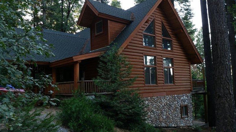 Grande maison Lakeview, 135 miles de San Francisco, à 45 miles de pittoresques So Lake Tahoe et Sacramento.