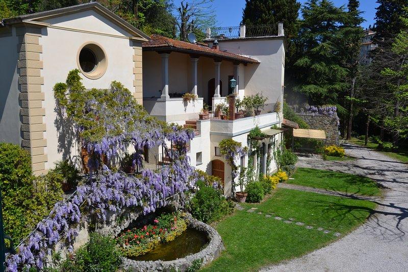 Nuovo con giardino vista Duomo, location de vacances à Trespiano
