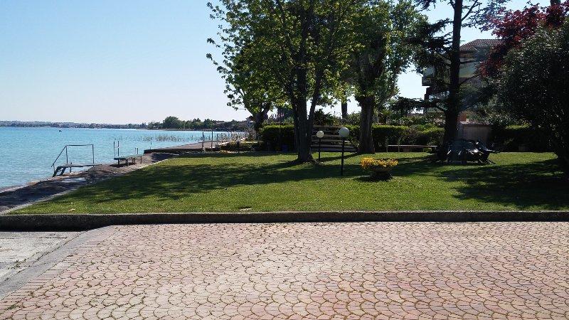 Garden Lake Front Residenz