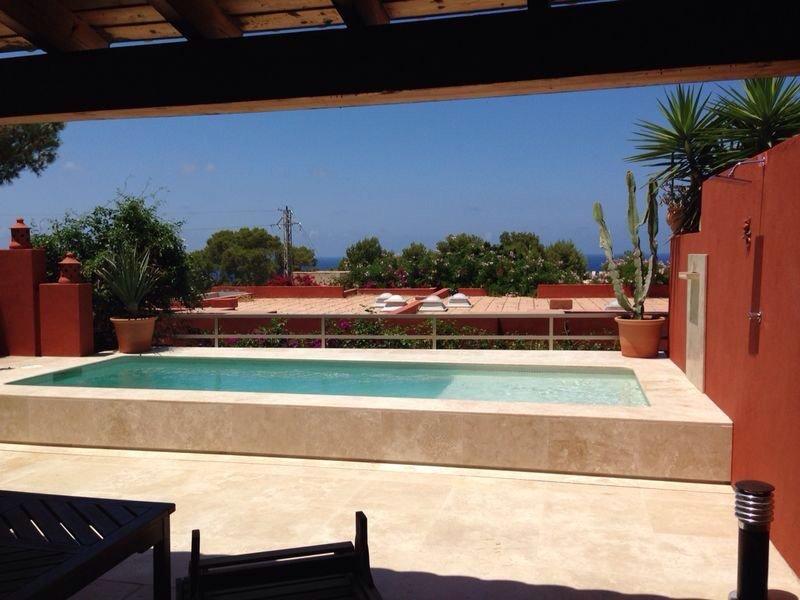 Chalet 6 personas en Cala Moli, Ibiza, espectaculares puestas de sol,, aluguéis de temporada em Cala Tarida