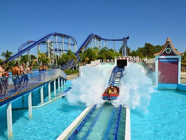 Water Park Aqua Show