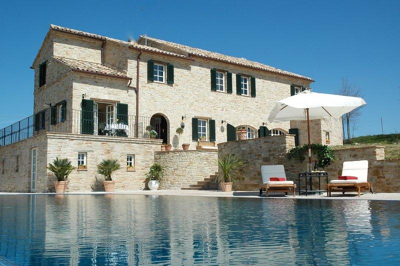 La Casa in Collina, holiday rental in Montedinove