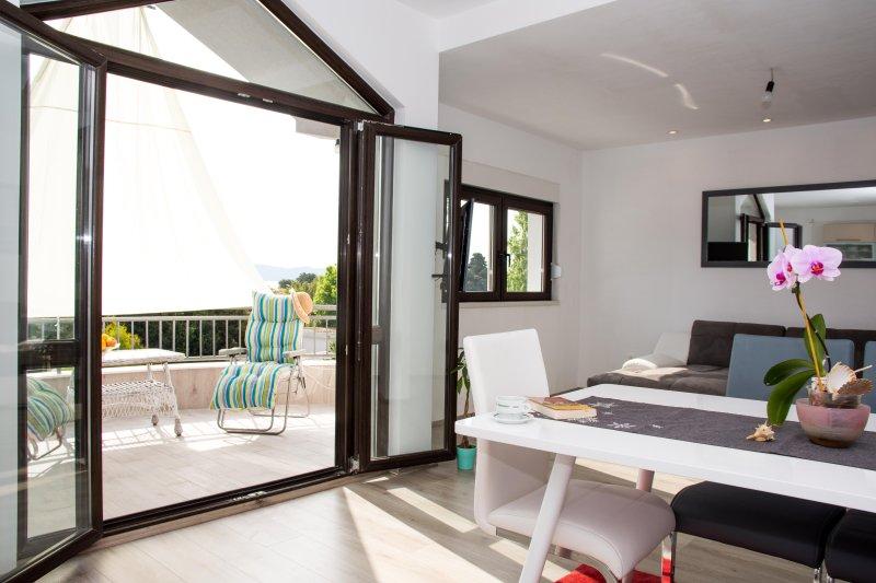 Apartment Kasalo 3, aluguéis de temporada em Kastel Stari