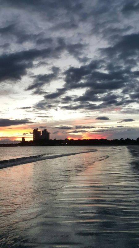 Vue vers l'ouest au coucher du soleil