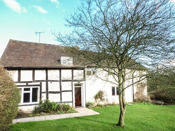 LITTLE COWARNE COURT  detached cottage, spacious accommodation, WiFi, shared, Ferienwohnung in Brockhampton