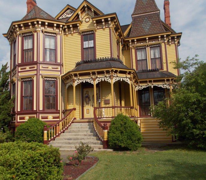 Historic House Smithfield Tourist Area near Williamsburg & Virginia Beach USA, vacation rental in Smithfield