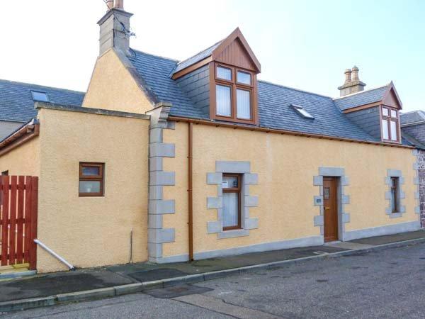 FAILTE, quality coastal cottage, woodburner, en-suite, patio, Portknockie Ref, holiday rental in Deskford