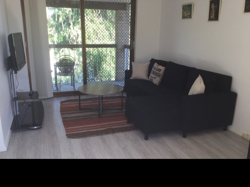 2 bedroom apartment 5km from city centre, holiday rental in Balcatta