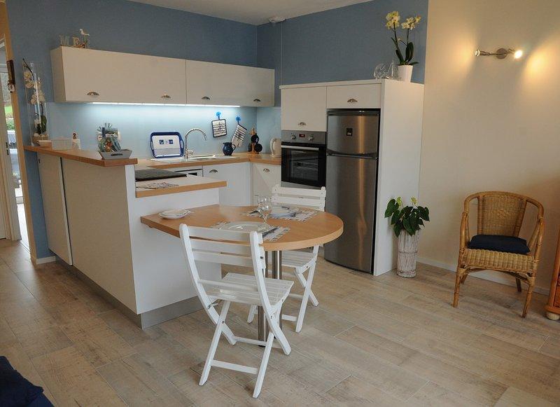 appartement bord de mer pour 2 personnes, holiday rental in Trevou-Treguignec