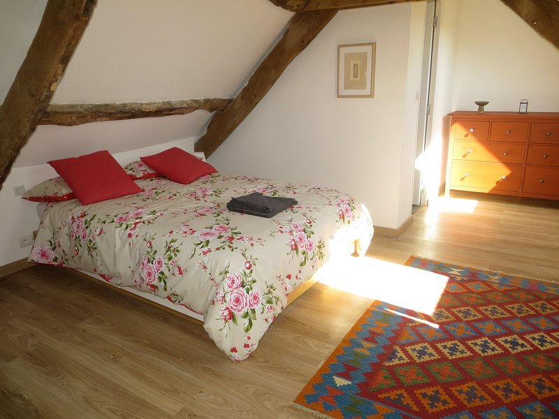 Spacious Loft bedroom with double bed