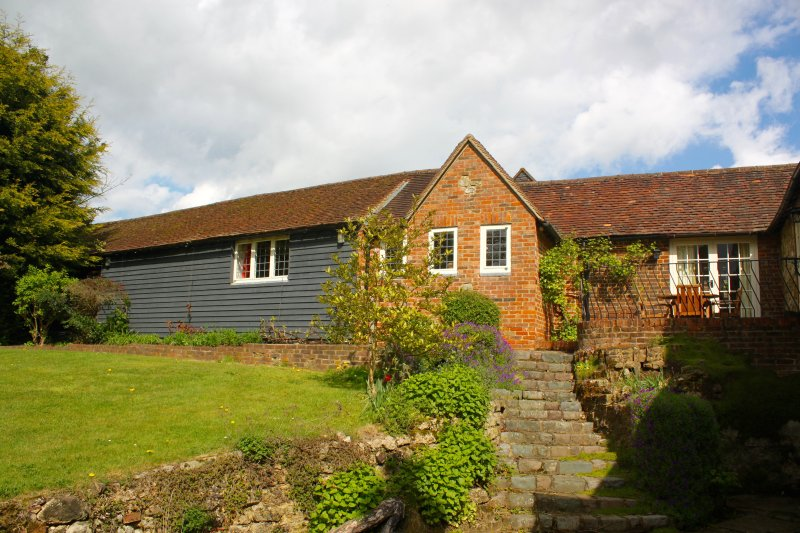 Oak House Farm Self Catering Accommodation, vacation rental in East Grinstead