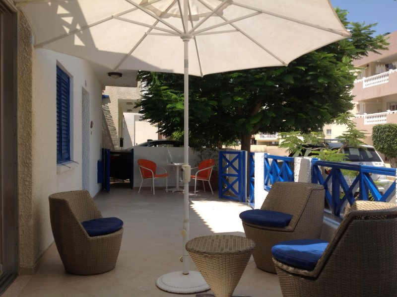 Debbie's Vacation Home, holiday rental in Dherinia