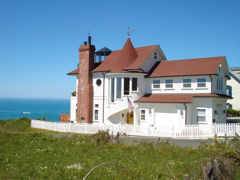 The Westport 'Landship', Mendocino County, CA., vacation rental in Mendocino County
