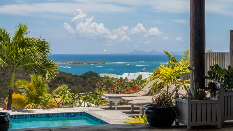 Vue  from the villa with private pool