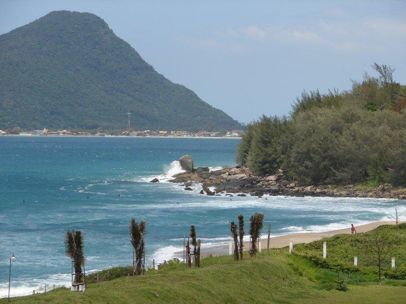 Bekijk Ponta da Morro das Pedras Beach