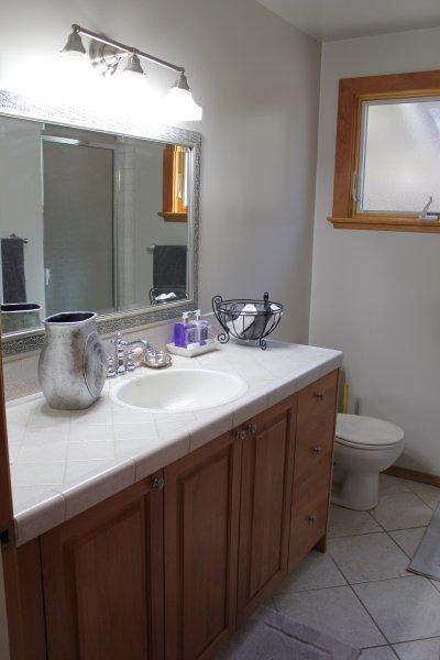 belangrijkste niveau bad biedt een douche en een verwarmd keramische vloeren ... mooi in de winter