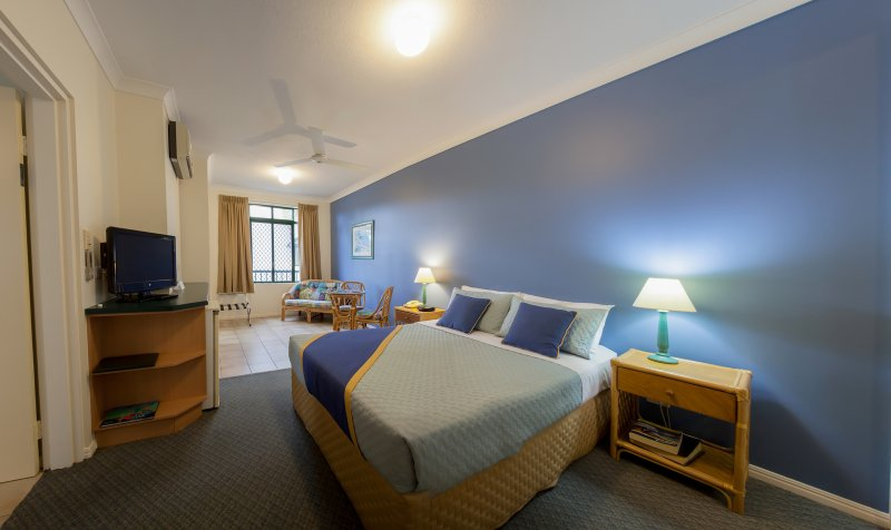 Grosvenor in Cairns - Holiday Apartments - Studio , 1 bedroom or 2 bedroom apartments available.
