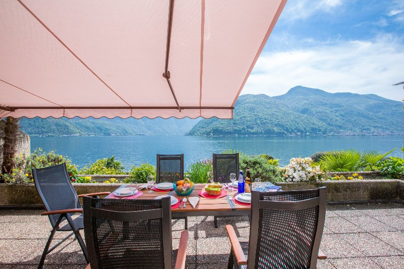 Private terrace overlooking lake Lugano