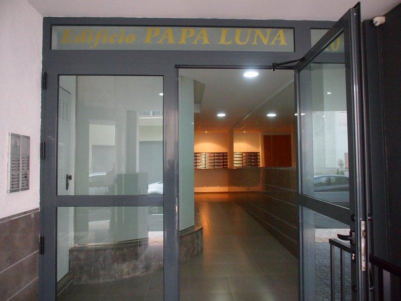 Building entrance Papa Luna