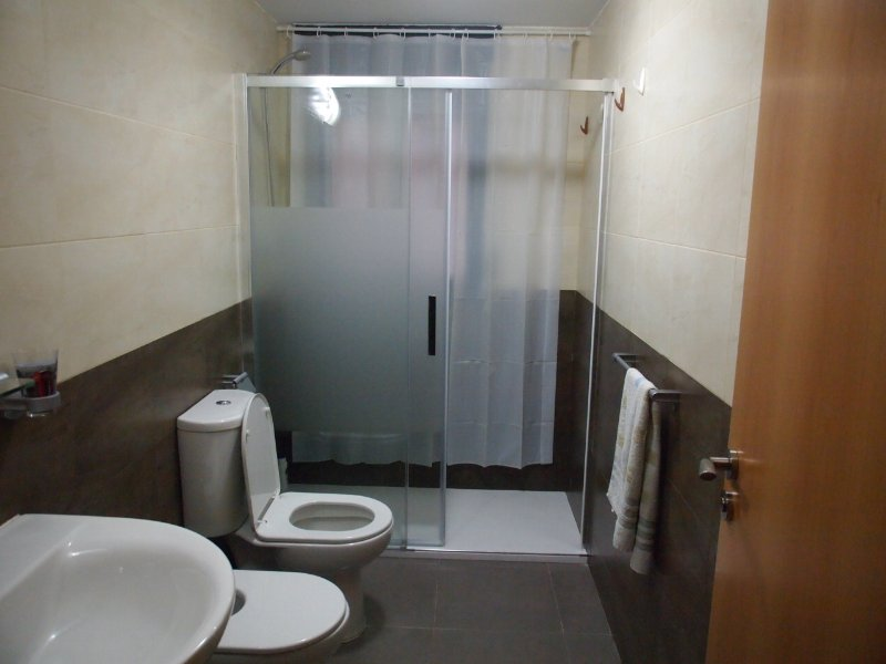 11. Auxiliary-bath with shower and screen
