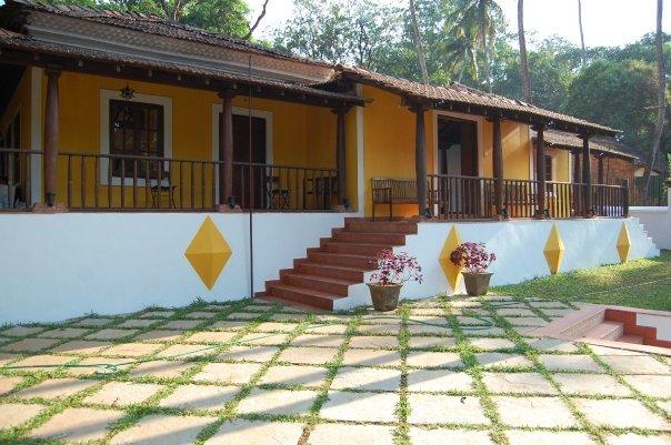 Little Siolim Portuguese Style Private Pool Villa, casa vacanza a Siolim